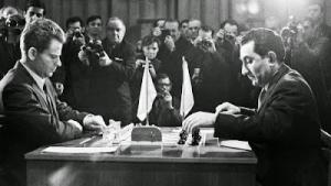Miniaturas 5. Petrosian destroza a Pachman. 1966
