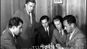 La partida de los 10 Grandes Maestros