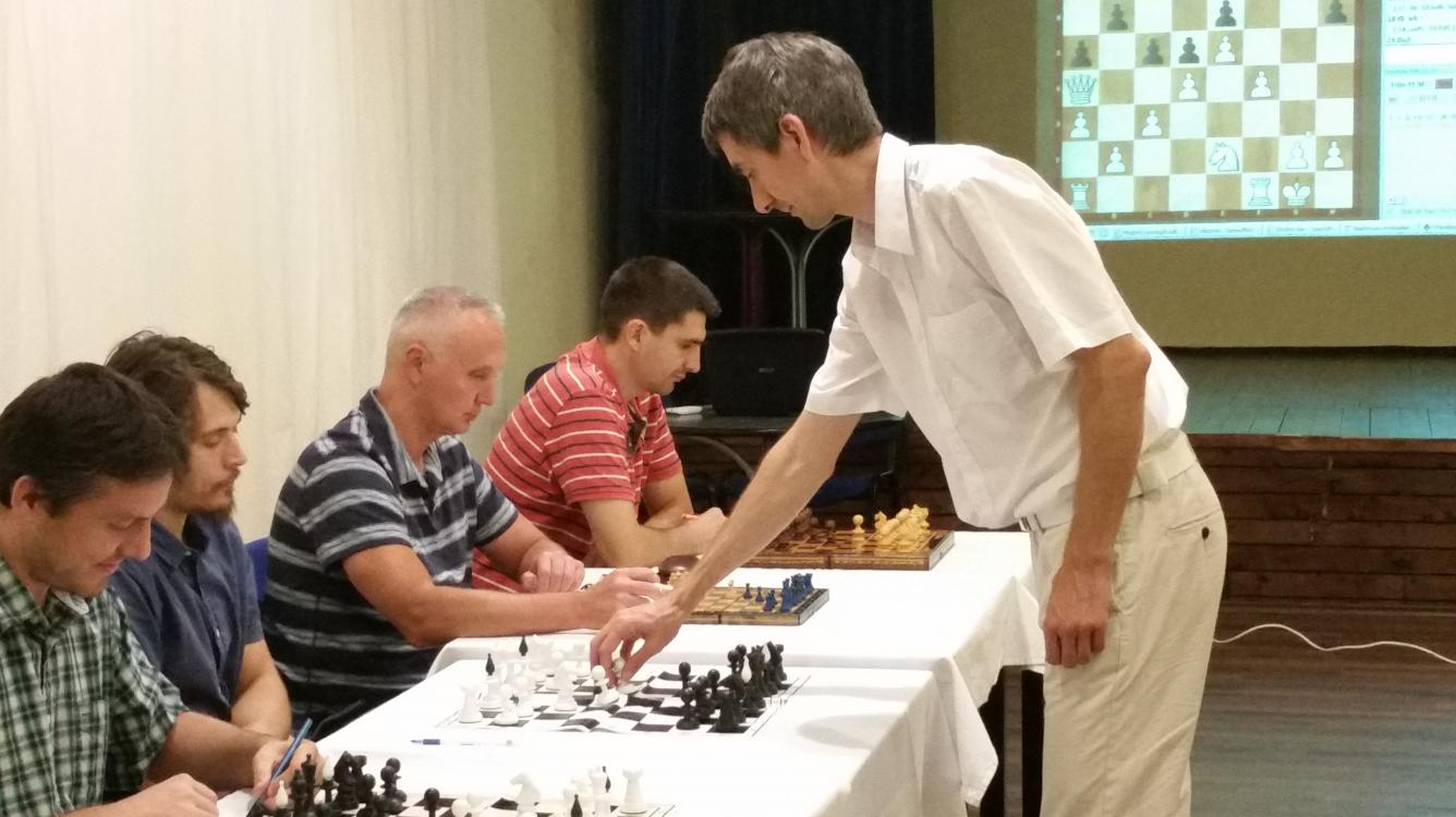 Game 5 for the Grandmaster title - The mating attack in the London system
