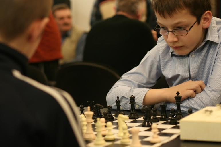 Road to the Grandmaster title - Game 19 - Bishop pair in the Slav defense