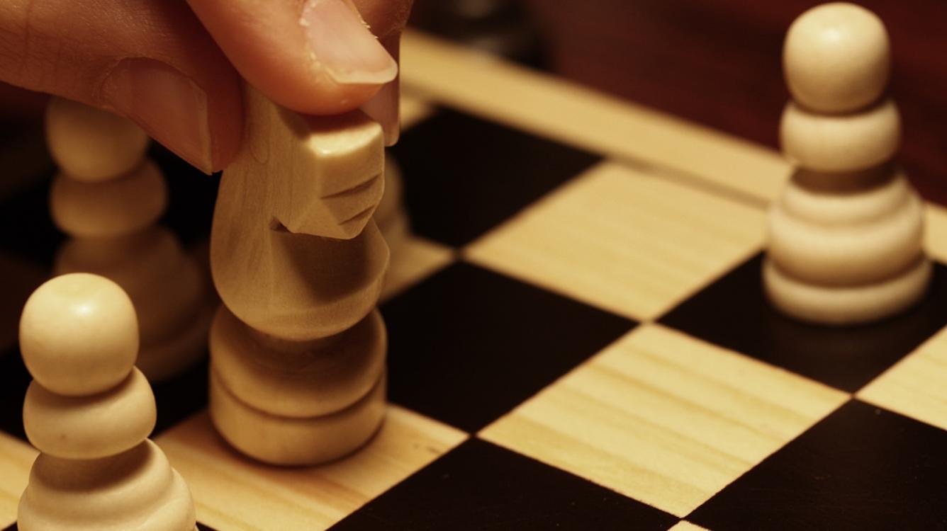 6 Instructive Endgame Puzzles (+ Video)
