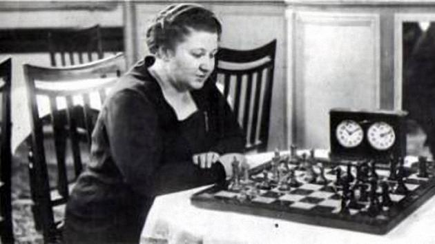 Tactics in the games of Vera Menchik