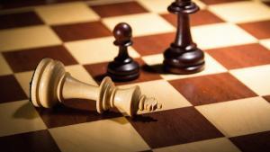 Game analysis #9 - Running from a winning endgame