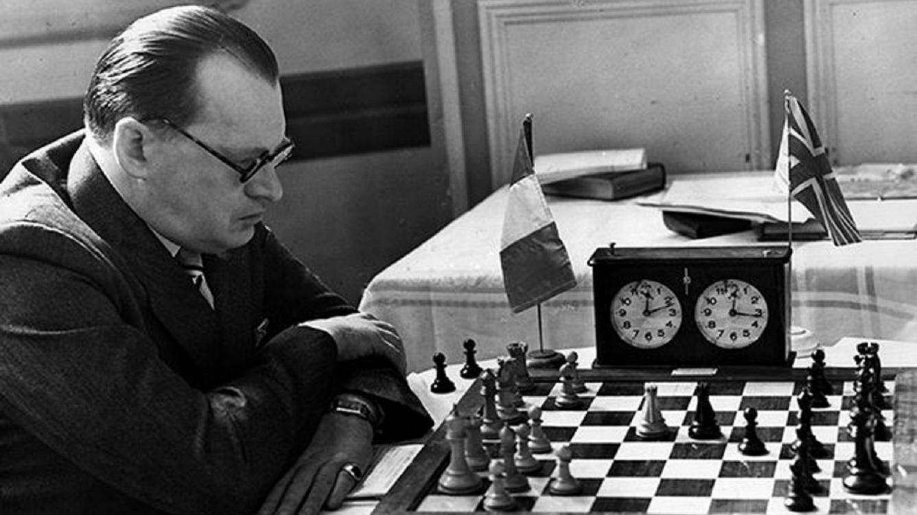 Weak Squares and Outposts Part 1 - Alexander Alekhine