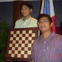 What is 'chess' in Filipino?