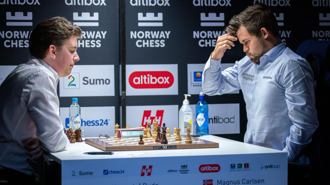 How Carlsen's Blunder To Duda Ended An Amazing Unbeaten Streak