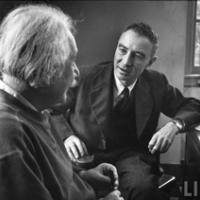 Einstein vs. Oppenheimer