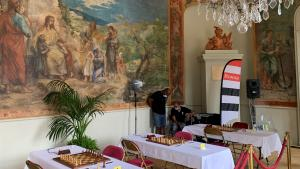 Chess at the chateau. Part 2: ups and downs