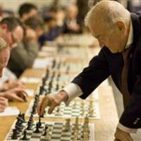 Korchnoi, a los 80
