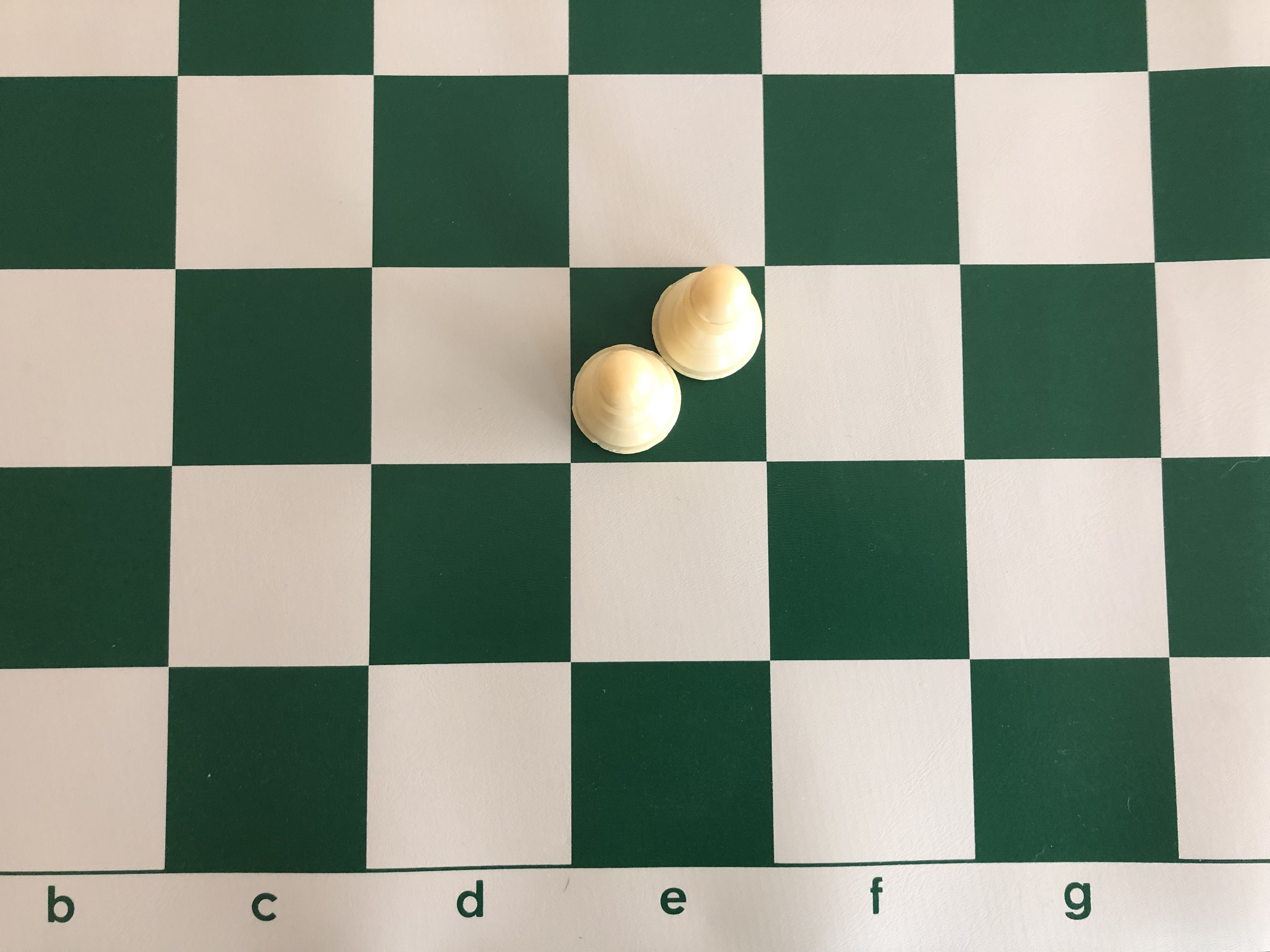 """A NEW Wooden 3 Player Chess Set Measures Just Under 11/"""" Across When Opened Green"""
