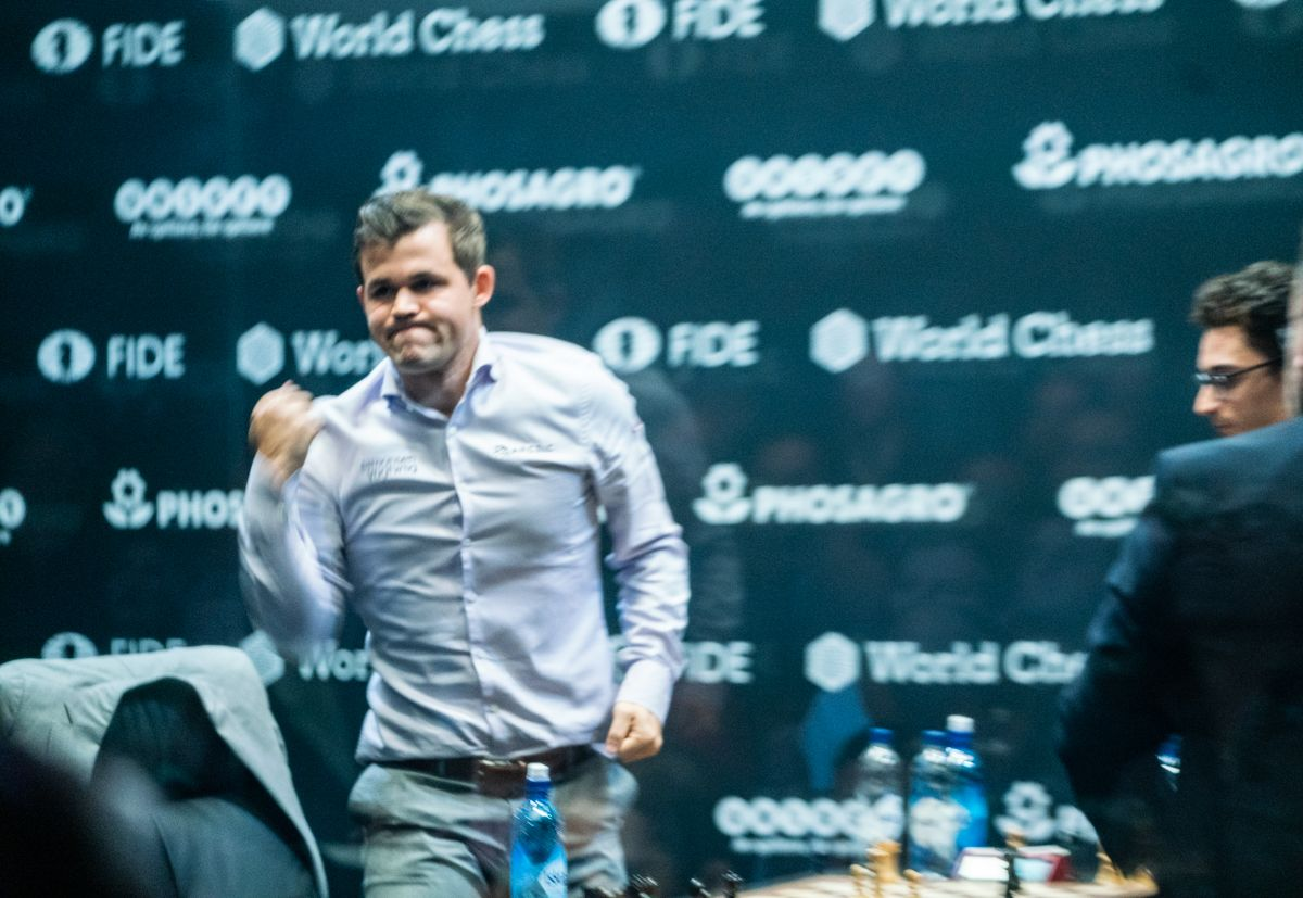 Tiebreak 2018 World Chess Championship Carlsen Caruana first pump