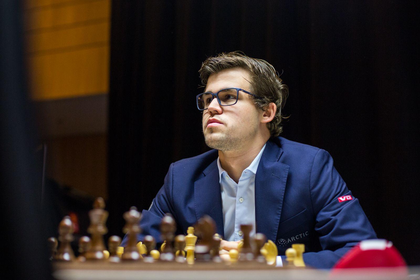 Resultado de imagem para carlsen fotos chess
