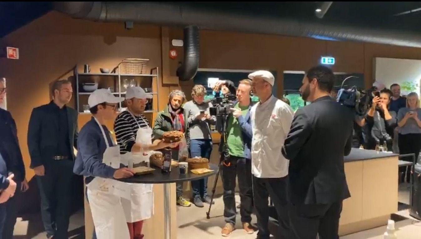 Norway Chess Cake Decoration