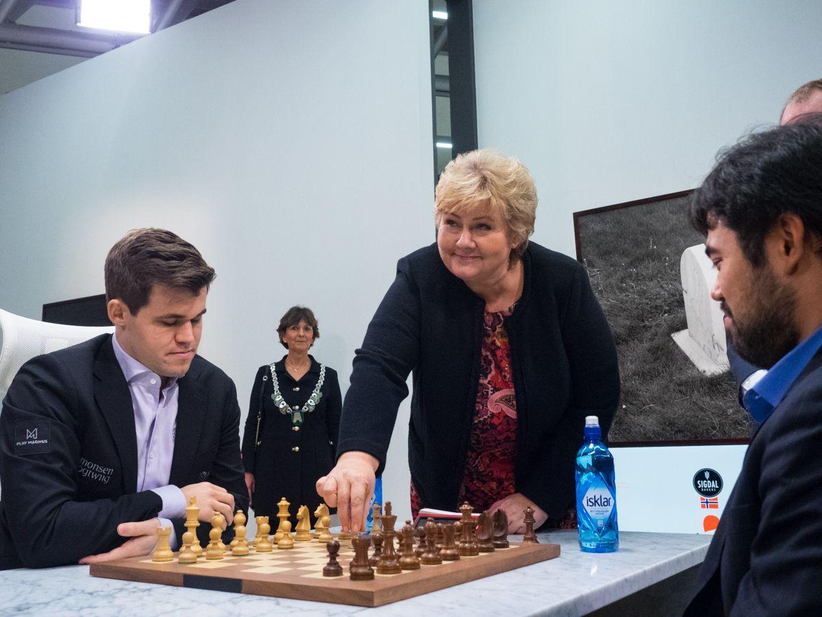 Erna Solberg, Carlsen-Nakamura Fischer Random
