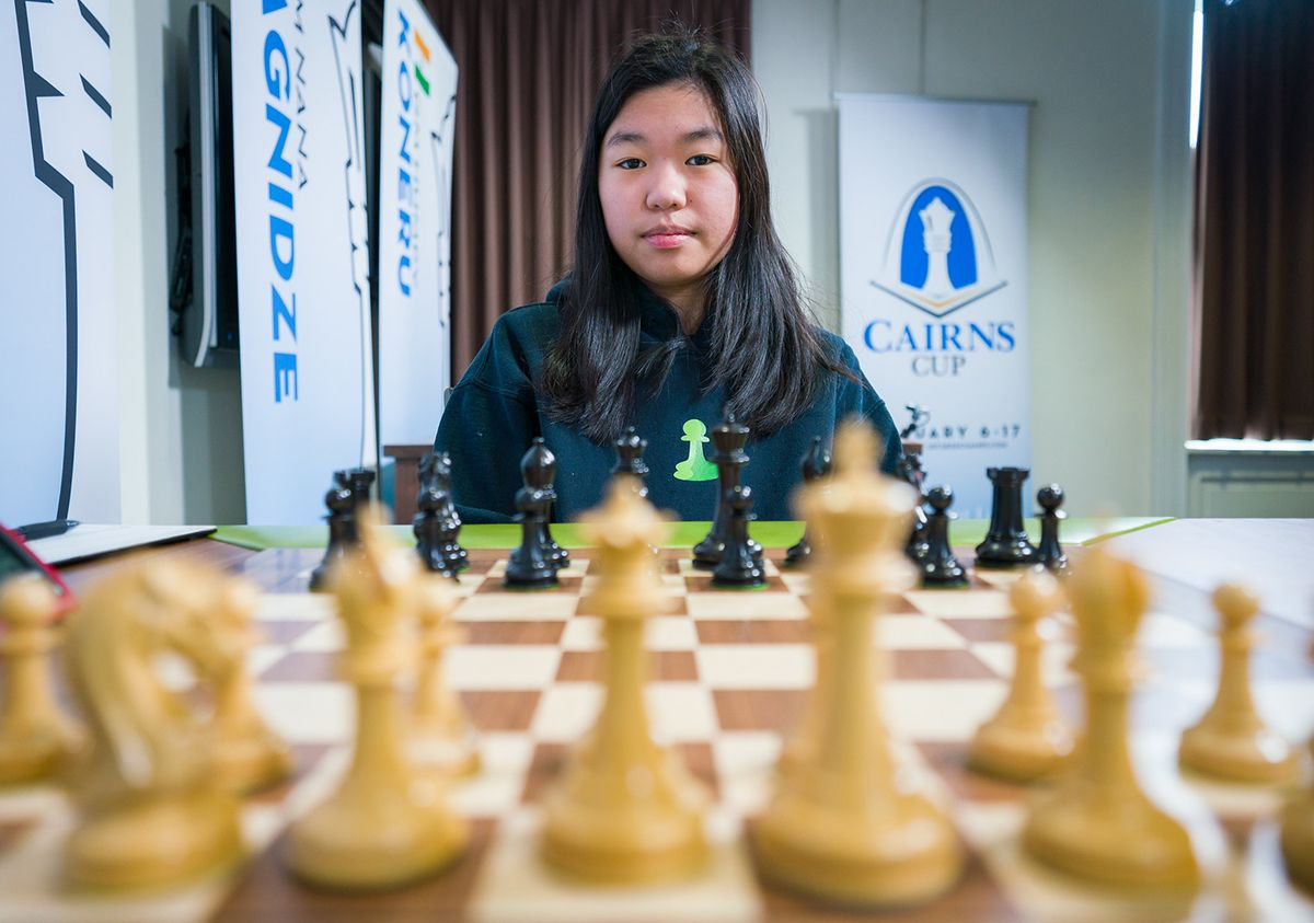 Carissa Yip Chess.com hoodie Cairns Cup