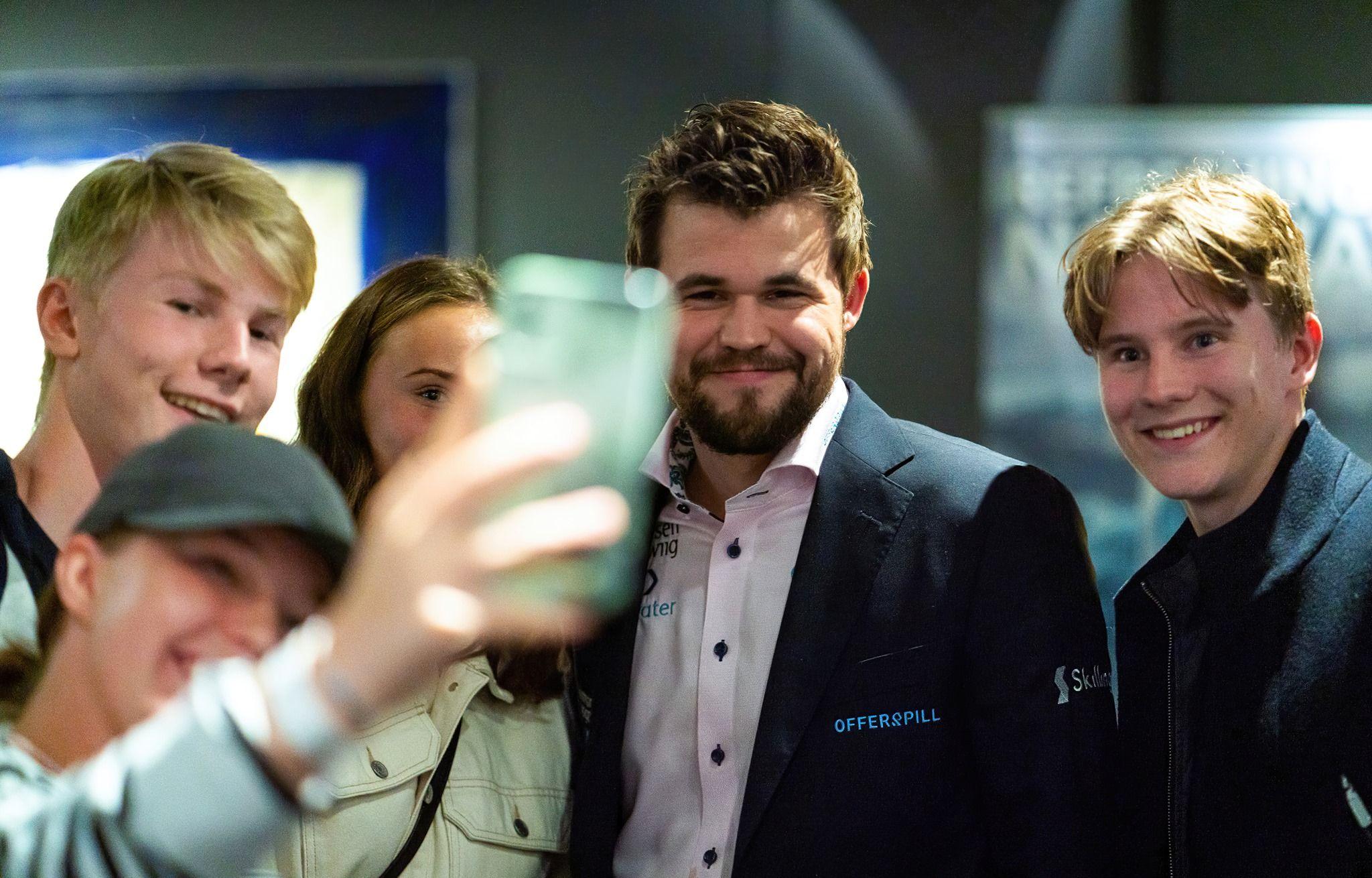 Selfie Magnus Carlsen
