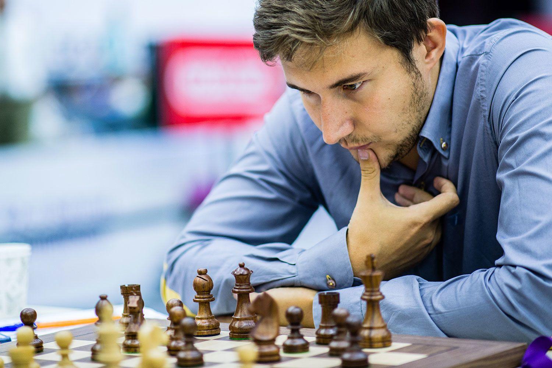Парень с шахматами картинки