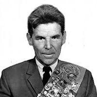 Rashid Gibiatovich Nezhmetdinov, a Hero and Artist of the Chessboard -  Chess.com
