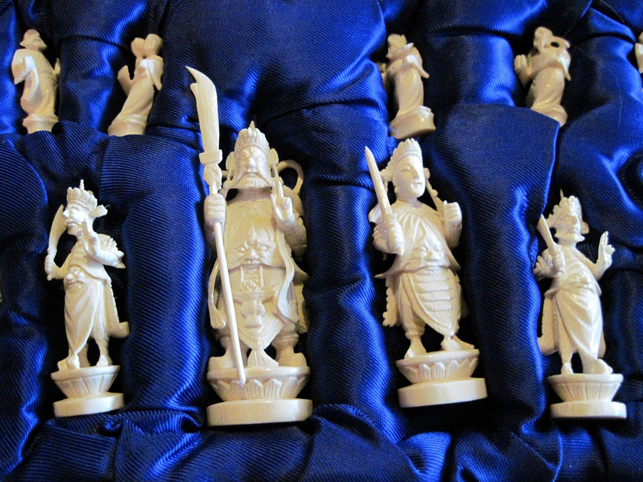 Question About Antique Chess Set