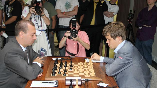 Nakamura, Carlsen Take Early Lead in Sinquefield Cup