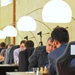 Gelfand in Sole Lead as FIDE GP Heats Up