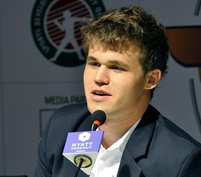 Carlsen Beats Anand Again, Leads 4-2 - UPDATE: VIDEO