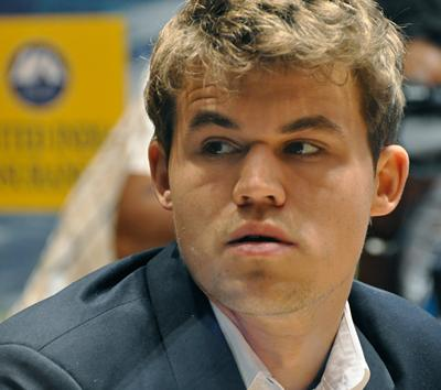 Carlsen Close to World Title After Anand Blunders in Game 9