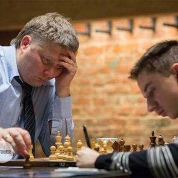 Shirov Beats Dubov 5-1 in Exciting Exhibition Match