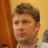 Shirov Takes Sole Lead At Corus