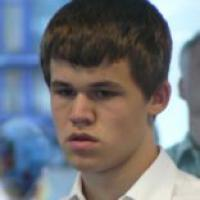 Carlsen Leads At Amber