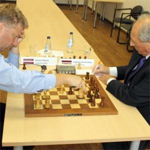 Shirov Beats Sveshnikov 5.5-0.5 in Friendly Match
