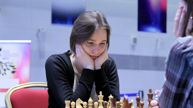 Muzychuk Leads At Women's World Championship Final Halfway