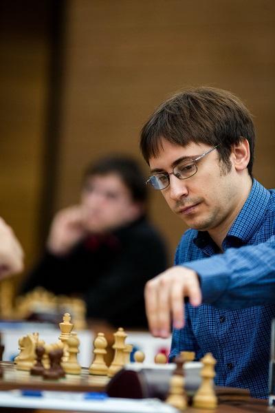Jakovenko Joins Leaders, Dominguez Stumbles in Penultimate Round