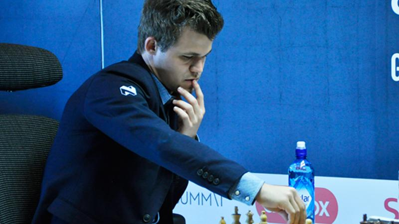 Magnus Carlsen Doesn't Know Time Control, Loses On Time