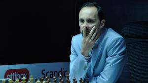 Topalov Beats Grischuk, Now 1.5 Points Ahead Of Pack's miniatury