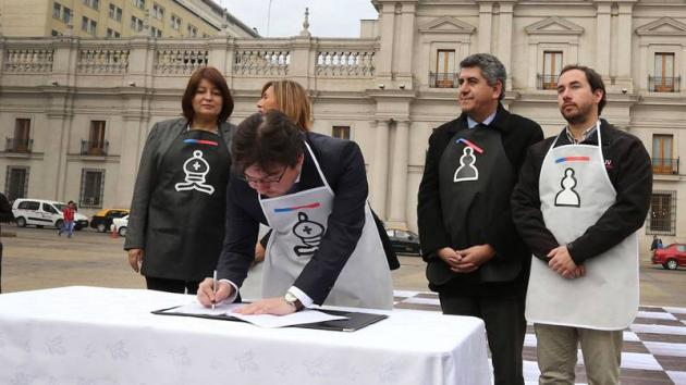 Chilean Government, FIDE Sign Social Chess Initiative Agreement