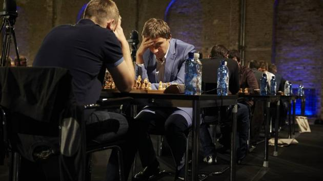 Karjakin Leads After World Rapid Day 1