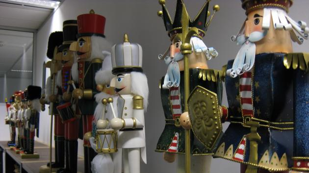 Gelfand Leads Kings To Victory In Nutcracker Tournament