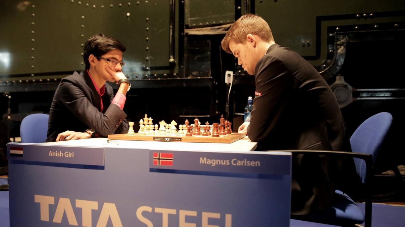 Caruana Wins, Cuts Carlsen's Lead To Half-Point