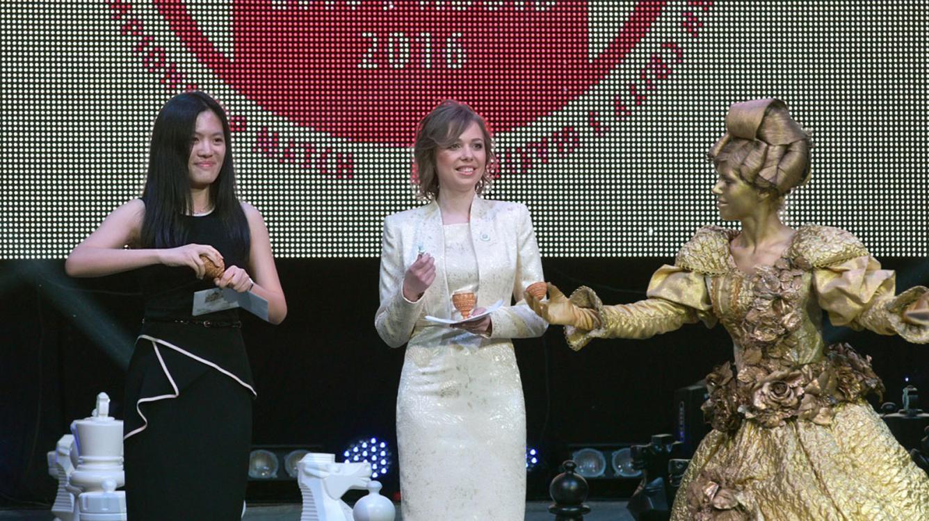 Hou Yifan Big Favorite To Win Back Women's World Championship