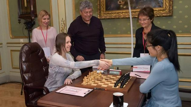 Hou Yifan Extends Lead In Instructive 6th Game