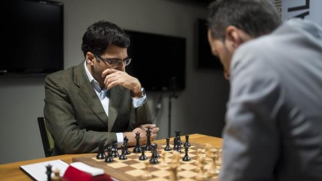 Topalov Catches Vishy On Day 3 Of Champions Showdown
