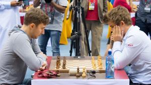 Carlsen, Karjakin Lead World Blitz Champs At Half's Thumbnail
