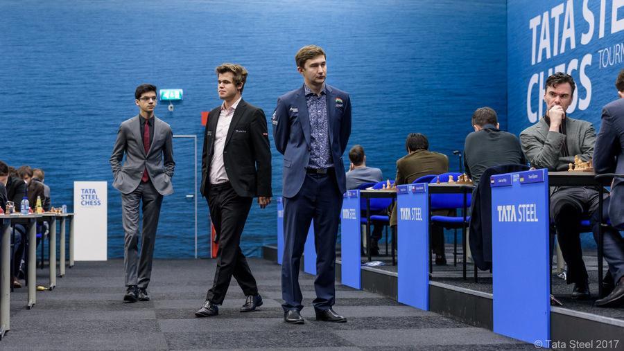 Tata Steel R2: Inspirado por Karjakin, Carlsen consigue su primera victoria