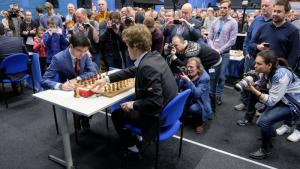 Tata Steel R7: Carlsen omite mate en 3 ante Giri