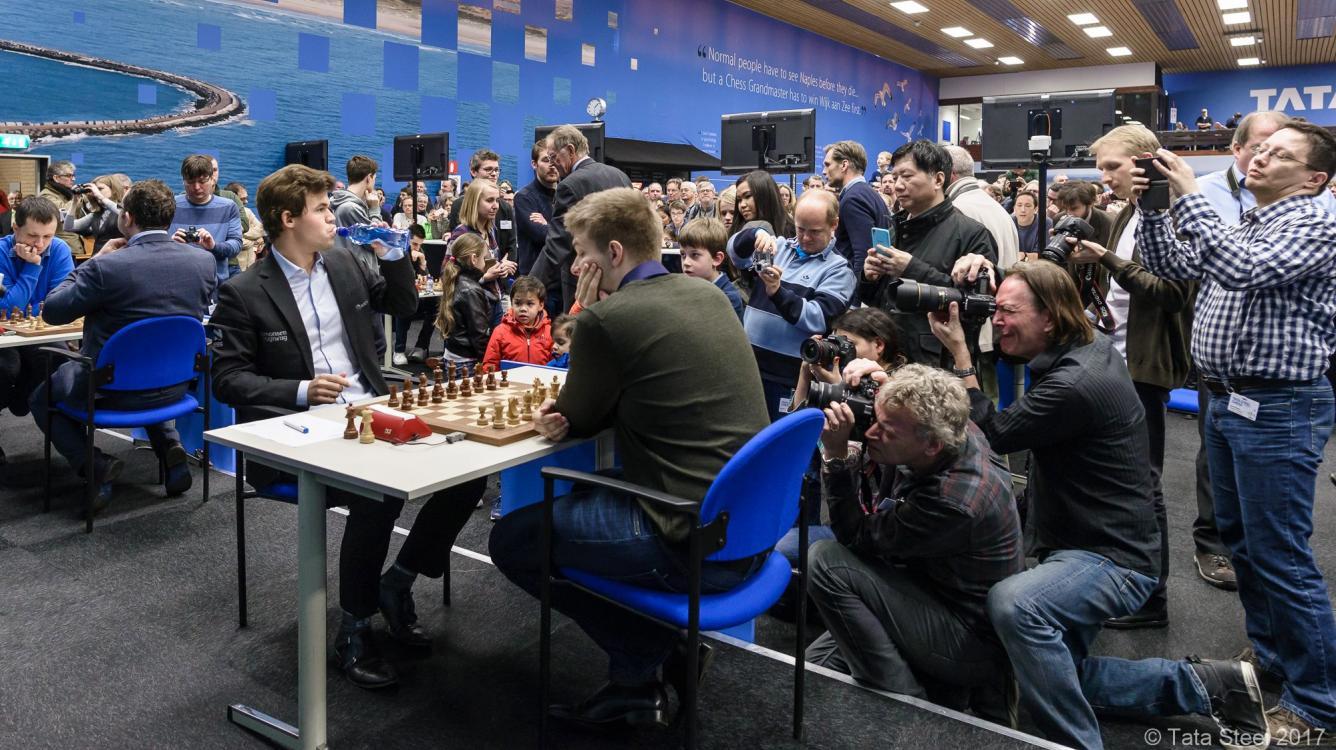 Rapport Beats Carlsen; Aronian Bounces Back