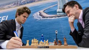 Miniatura de Tata Steel R9: Carlsen vence a Van Wely y se acerca a So