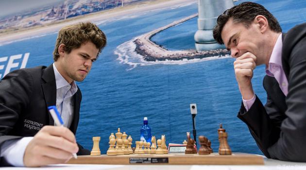 Tata Steel R9: Carlsen vence a Van Wely y se acerca a So