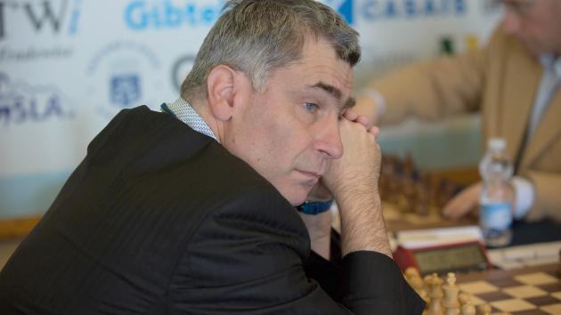 Gibraltar: Ivanchuk pierde por tiempo en posición ganada
