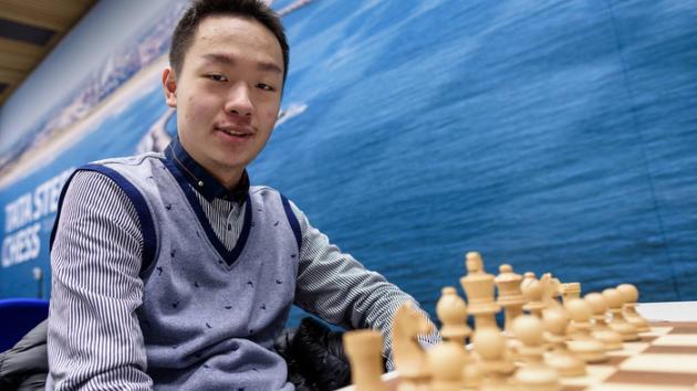 Tata Steel R11: Wei Yi gana a Karjakin y persigue a So
